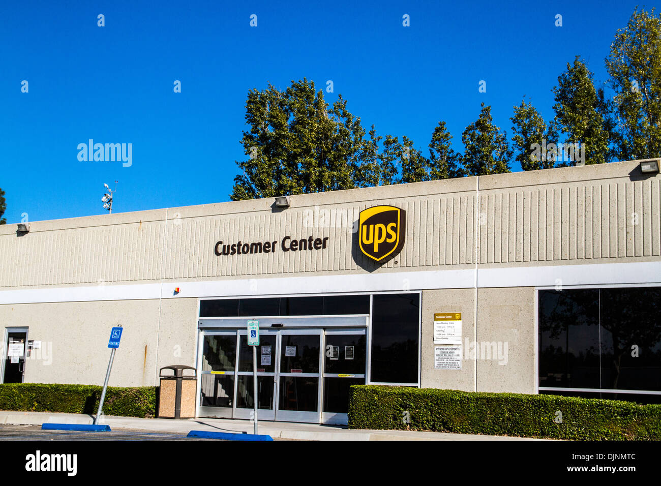 the ups customer service center at ontario airport where ups air stock photo royalty free image. Black Bedroom Furniture Sets. Home Design Ideas