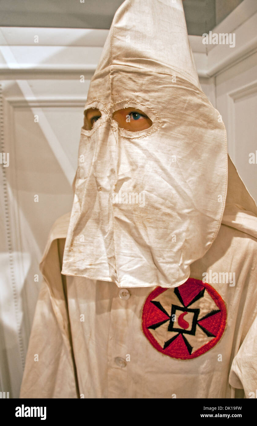 ku klux klan stock photos ku klux klan stock images alamy ku klux klan white robe common insignia and pointed hood at history museum of mobile
