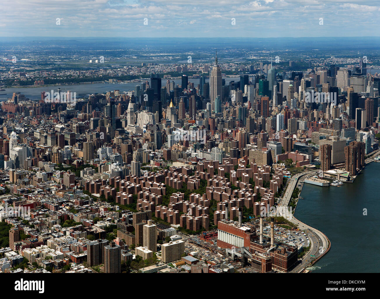 Aerial photograph stuyvesant town peter cooper village to for Stuyvesant town peter cooper village