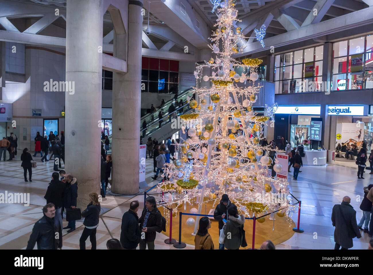 Paris France Shopping French Shopping Mall Les Halles