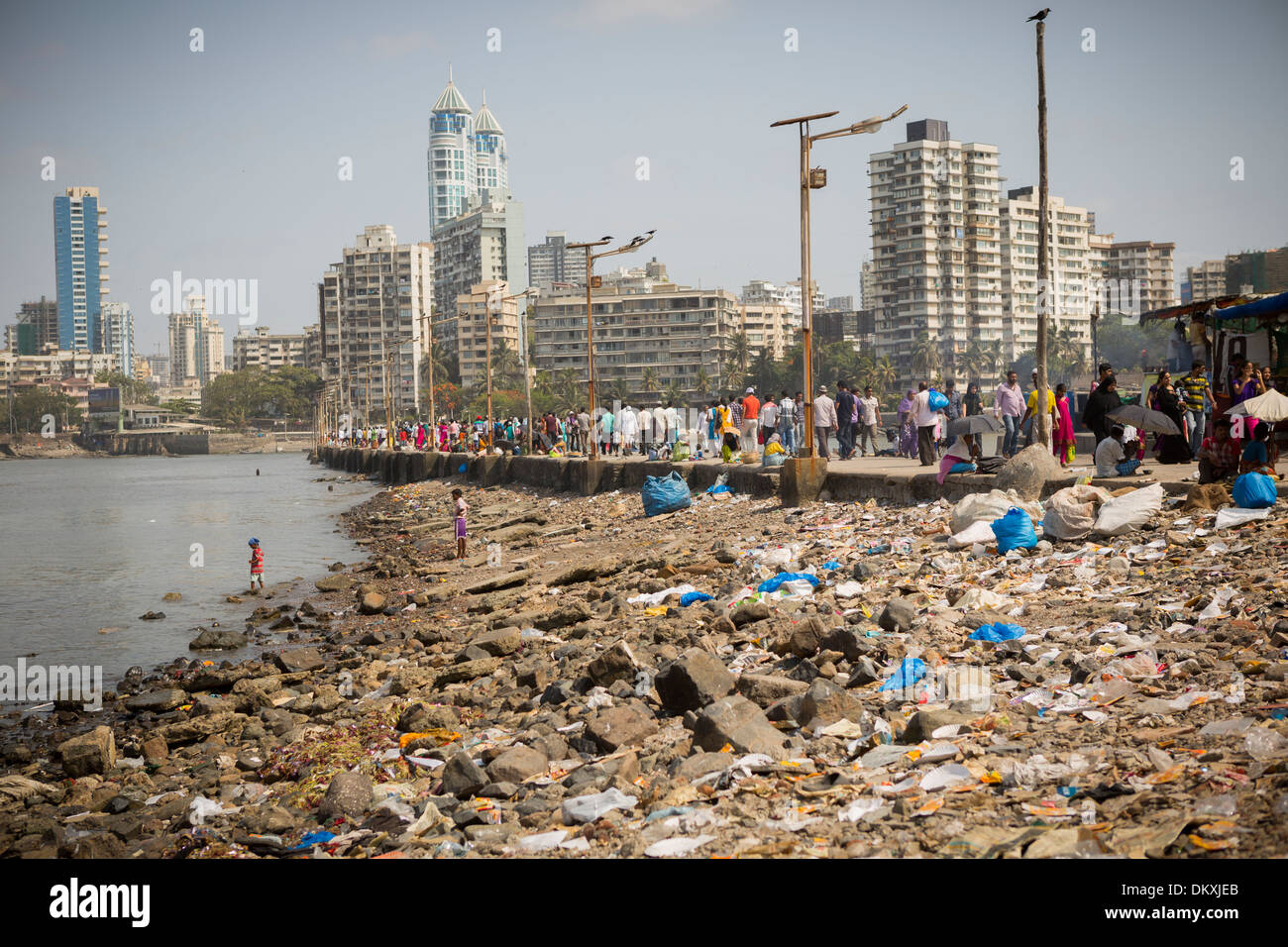 pollution in mumbai Air pollution is increasing these days due to burning of various substances, including wood, leaves, and even toxic substances like used rubber tyres and plastic.