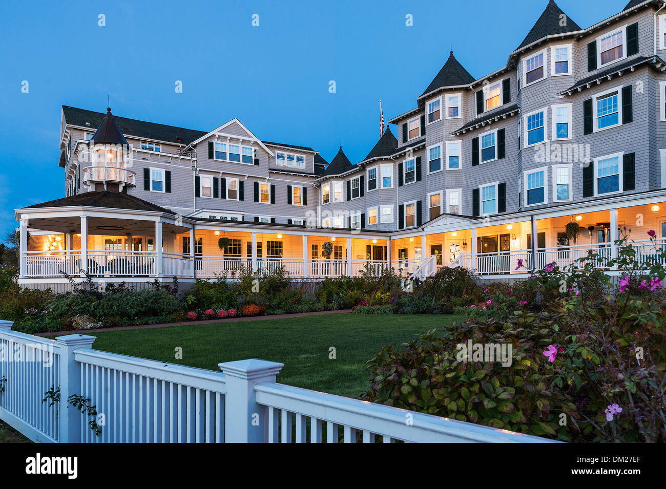 harbor view hotel at dusk edgartown martha 39 s vineyard. Black Bedroom Furniture Sets. Home Design Ideas
