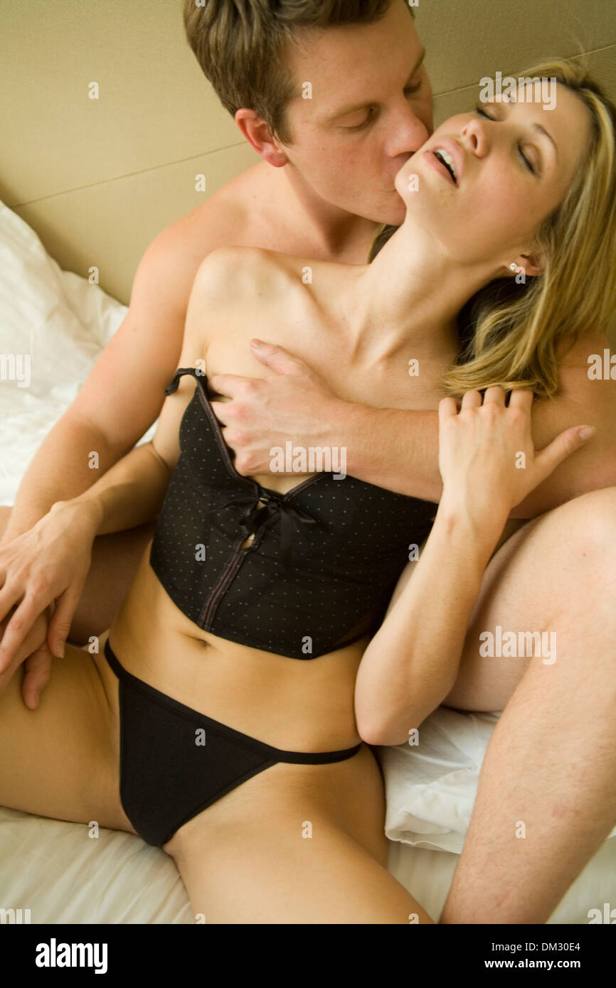 Sexy Couple Kissing 78
