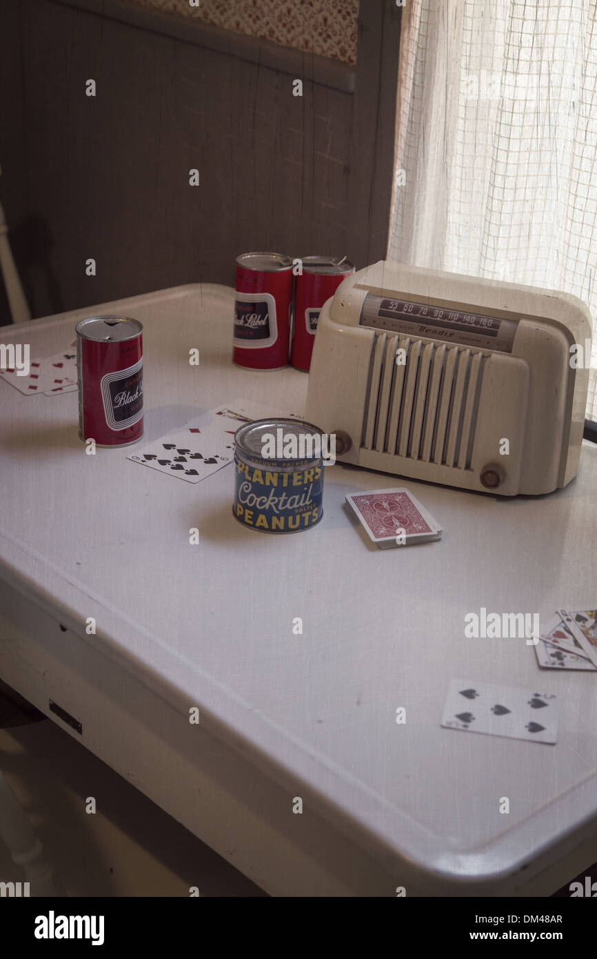a 1950s vintage scene of a kitchen table set up for a poker night DM48AR