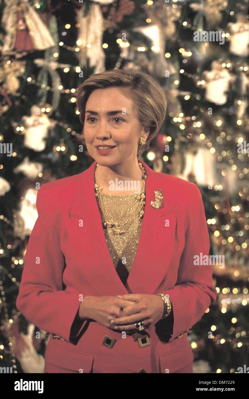 White house christmas ornaments 1993 - 6 1993 Hillary Clinton With Decorated Christmas Tree At The White House