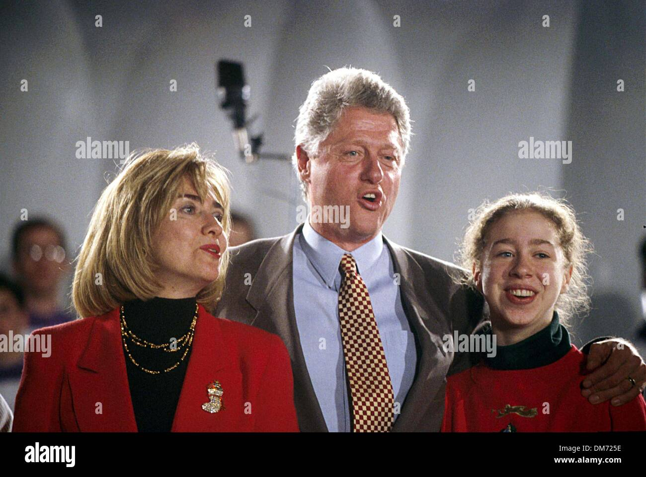 Dec. 7, 1994 - CHELSEA CLINTON WITH PARENTS BILL CLINTON AND ...