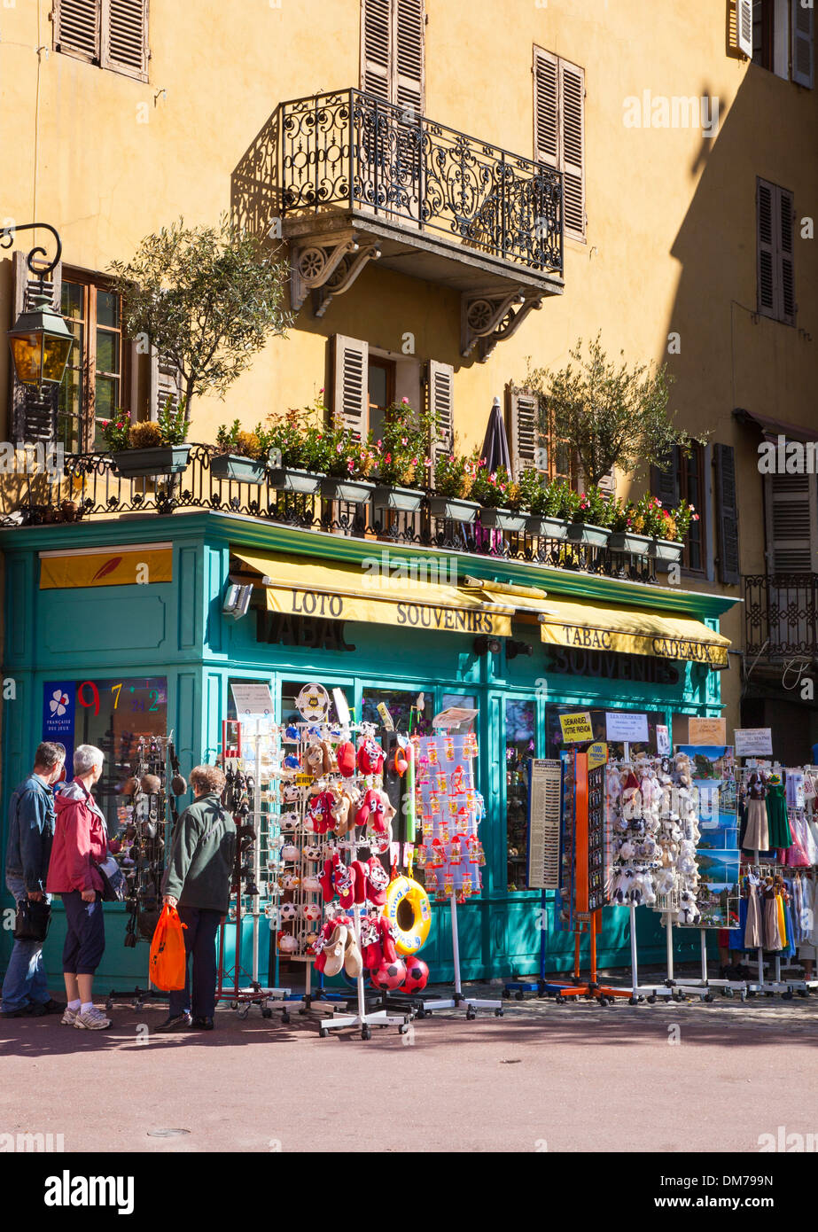 Shop selling holiday toys and items in annecy old town - Boutique free annecy ...
