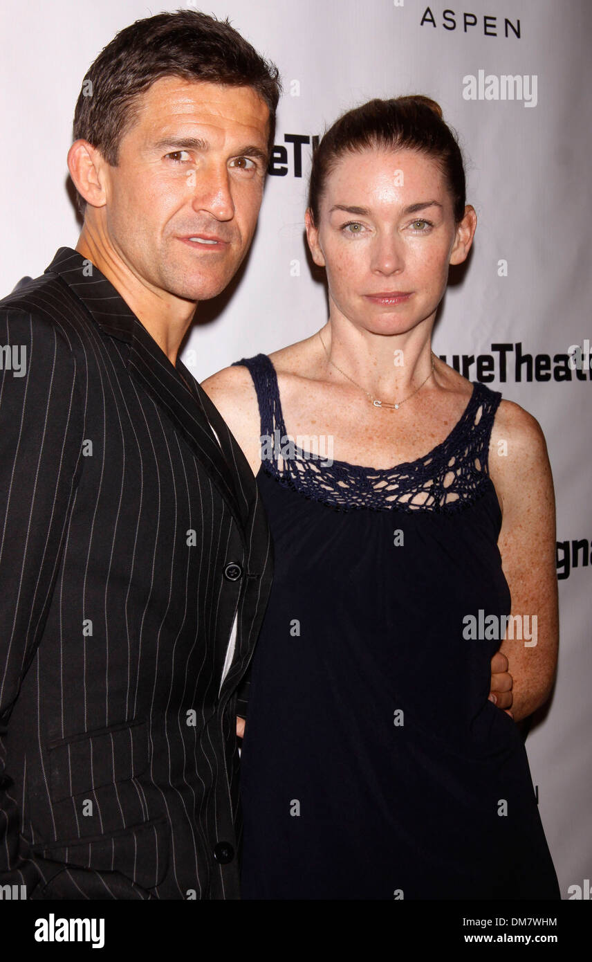 Jonathan Cake and Julianne Nicholson Opening night after ...