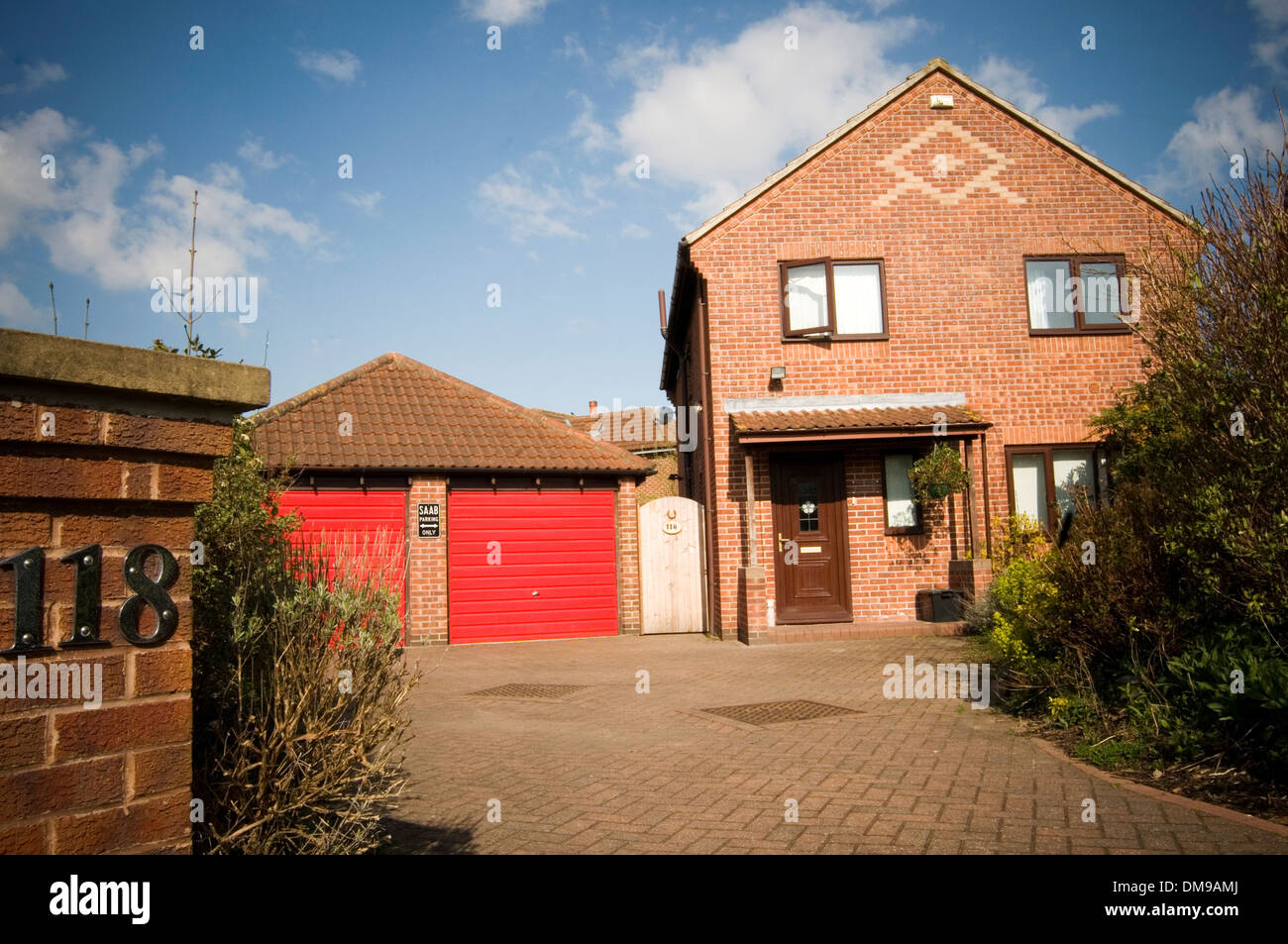 Detached House Houses Home Uk Four Bedroom Suburban
