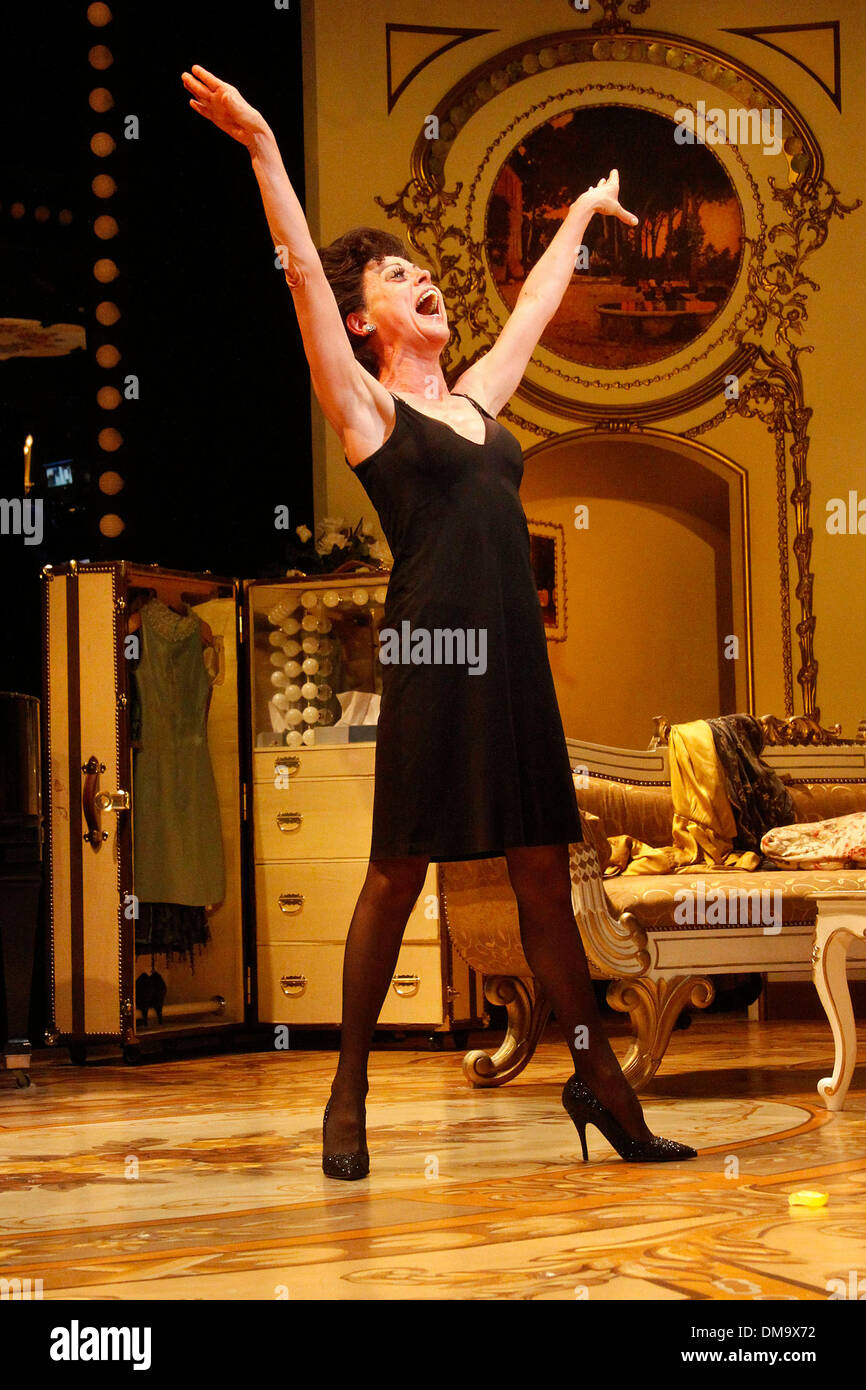 Tracie Bennett End Of The Rainbow