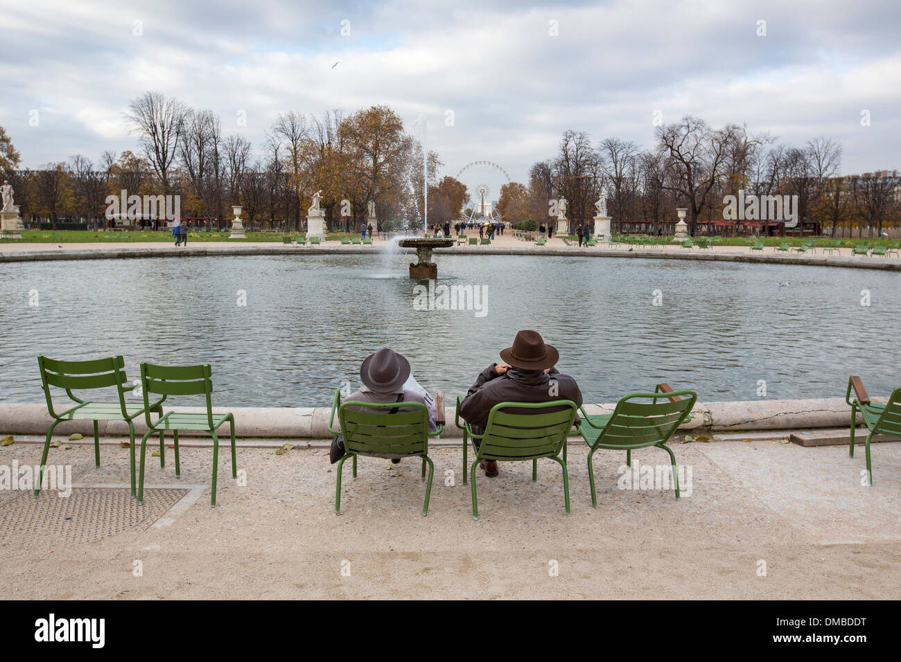 The grand bassin rond in les jardins des tuileries paris for Bassin de jardin com