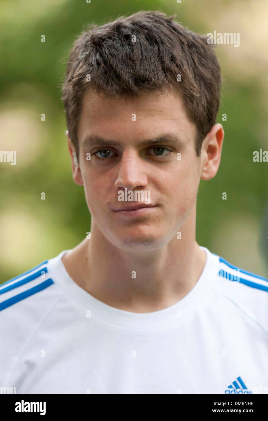<b>Jonathan Brownlee</b> Leeds parkrun for 'Join In Local Sport' at Woodhouse Moor ... - jonathan-brownlee-leeds-parkrun-for-join-in-local-sport-at-woodhouse-DMBNHF