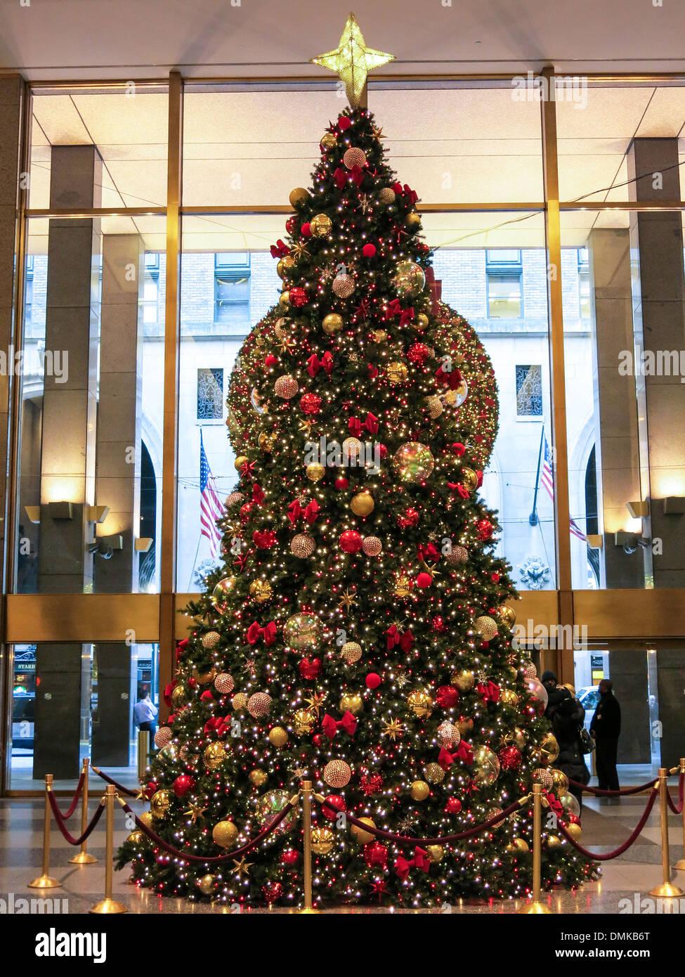 Christmas tree lobby of metlife building holiday season