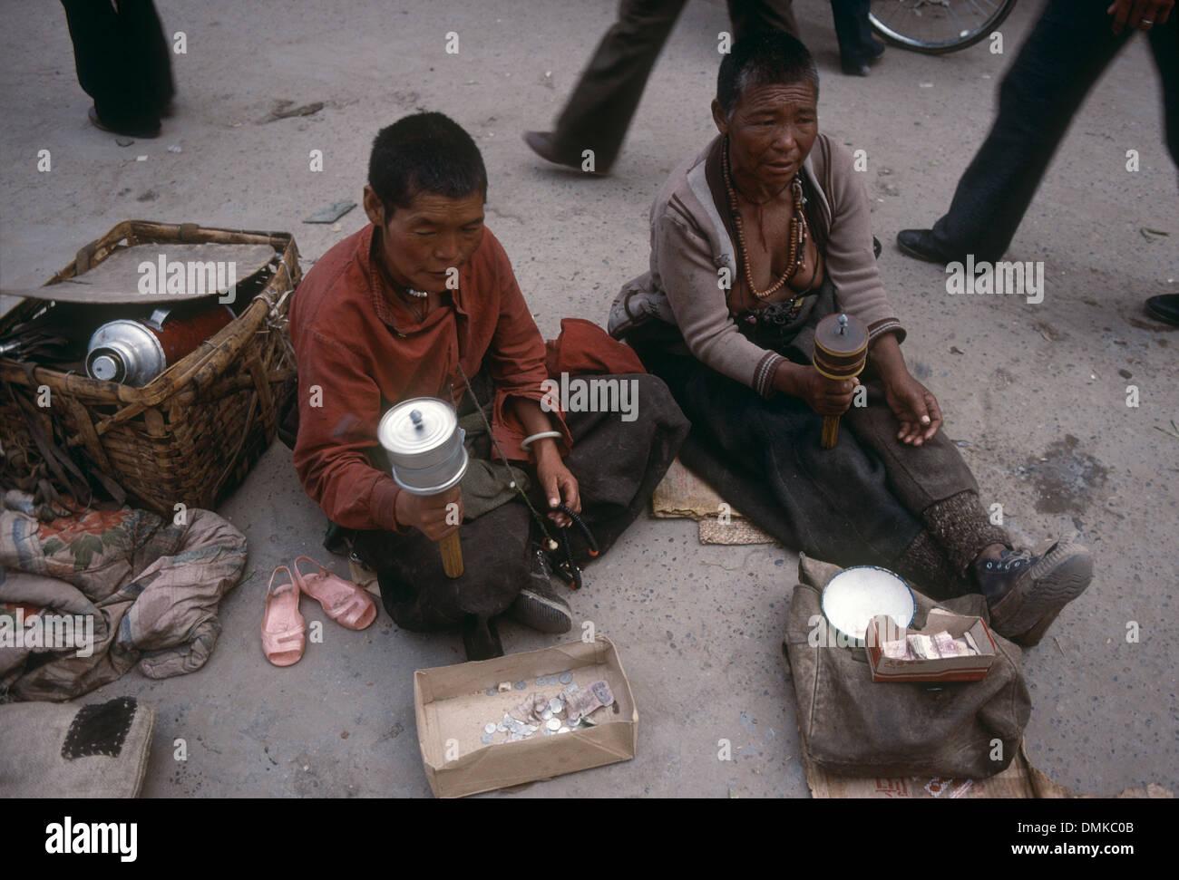 Two Poor Tibetan Boys Begging In A Street Of Lhasa Tibet China  # Bois En Chaene