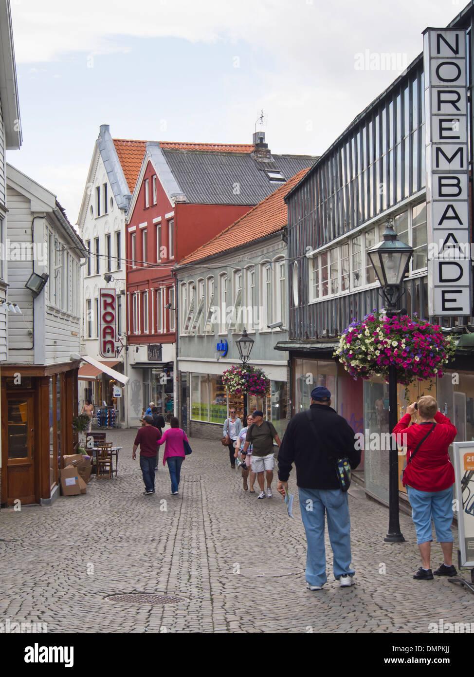 Pedestrian shopping street in Stavanger Norway, old small wooden ...