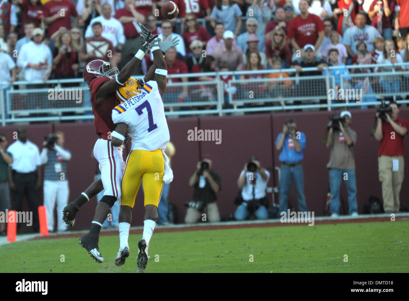 7 Patrick Peterson defends a pass to 8 Julio Jones during the