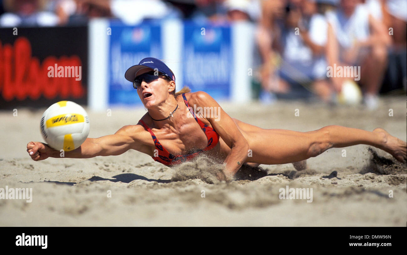 may 29 2002 huntington beach ca usaholly mcpeak at the