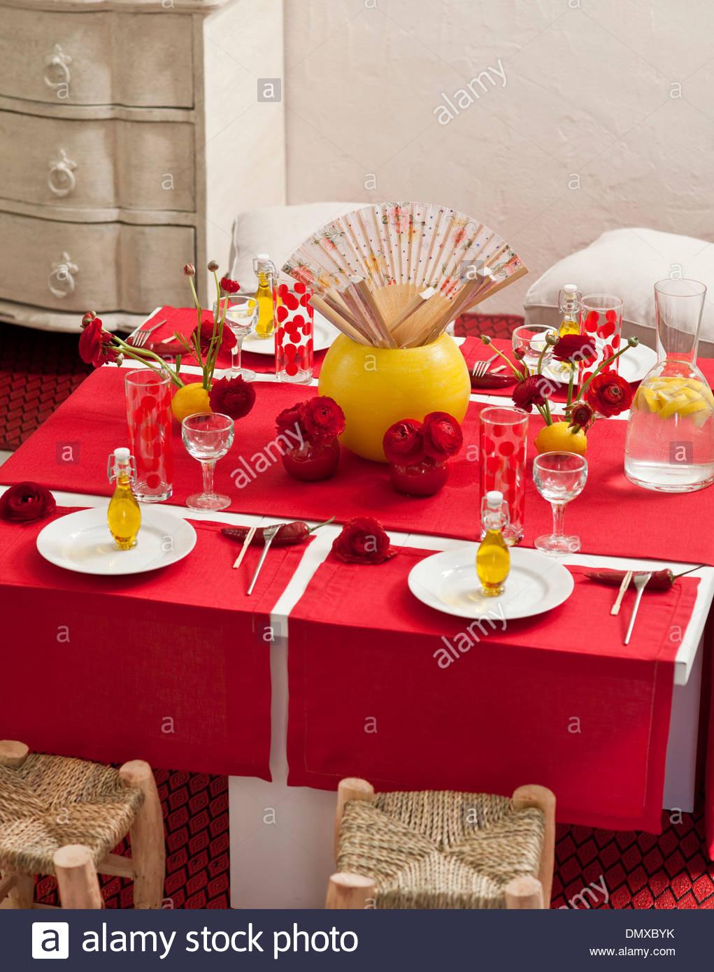 Spanish set table & Spanish set table Stock Photo: 64504375 - Alamy