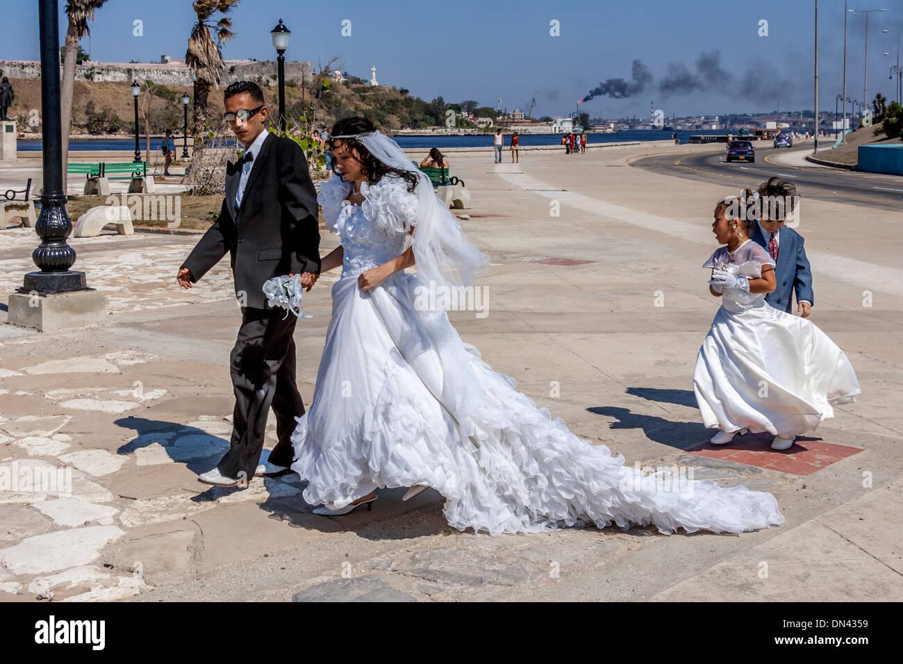 Cuban Wedding, Havana, Cuba Stock Photo: 64629189 - Alamy