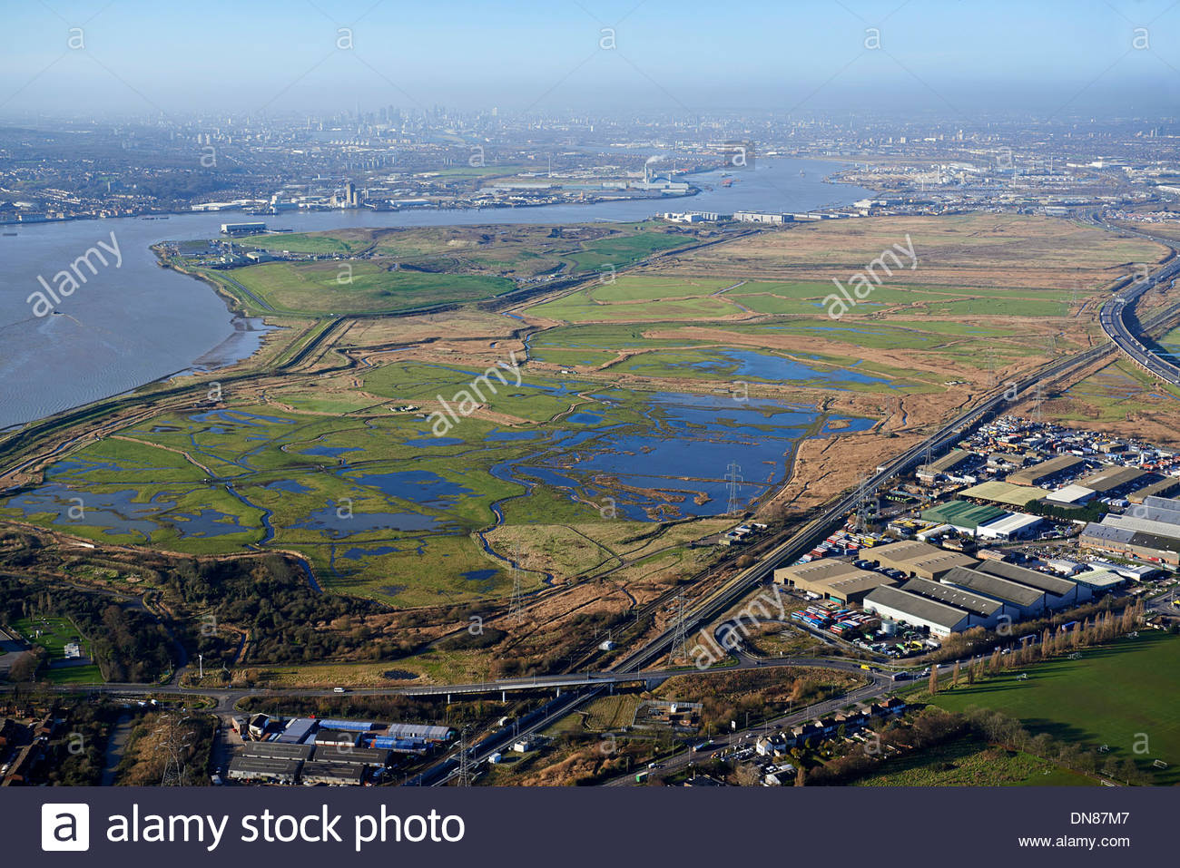 looking-up-the-river-thames-over-rainham