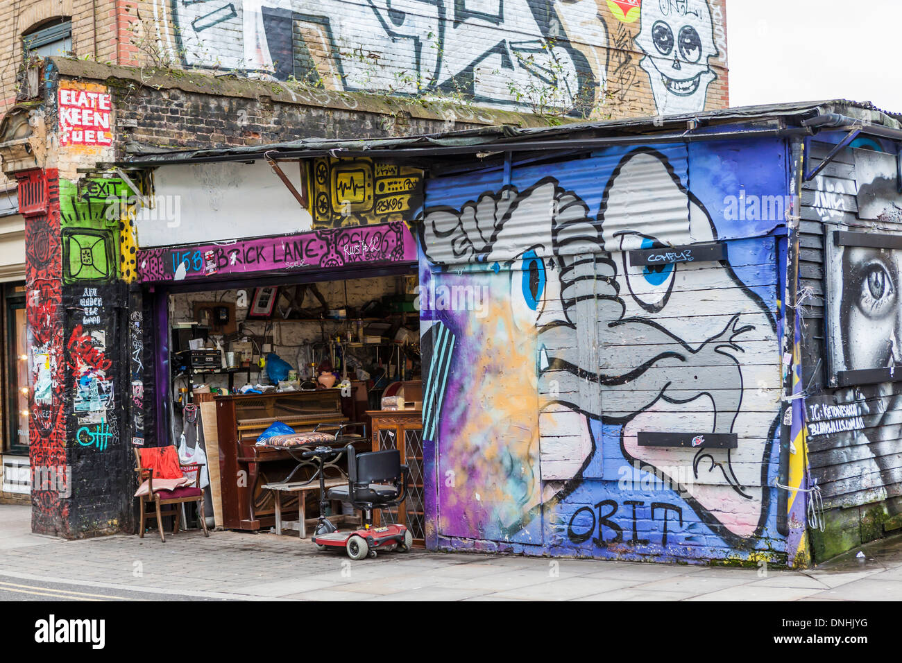 Affordable Old Furniture Bricabrac Secondhand Goods Shop And Graffiti In  With Furniture Second Hand.