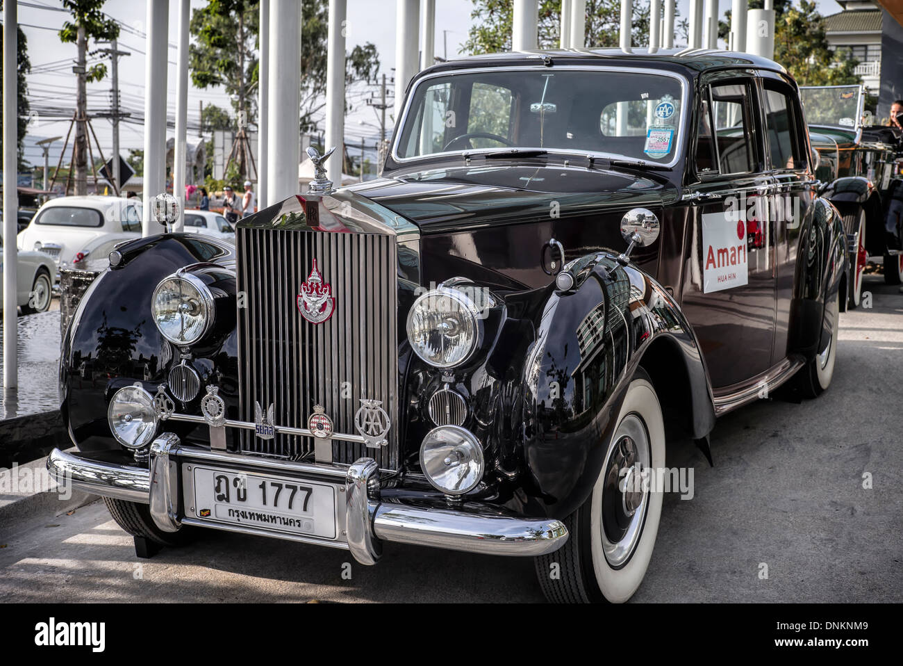Rolls royce silver dawn limousine 1951 classic british executive motorcar used by thailand s royalty