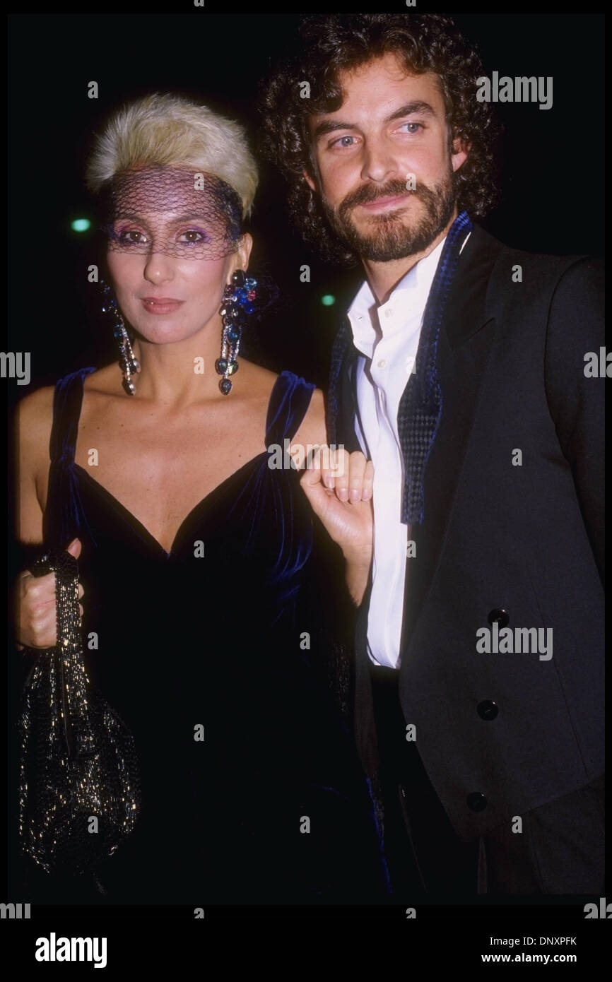cher dating bagel boy We rounded up 9 more celebrity reverse may/december romances cher and rob bagel boy camilletti cher has a long history of dating men younger than.