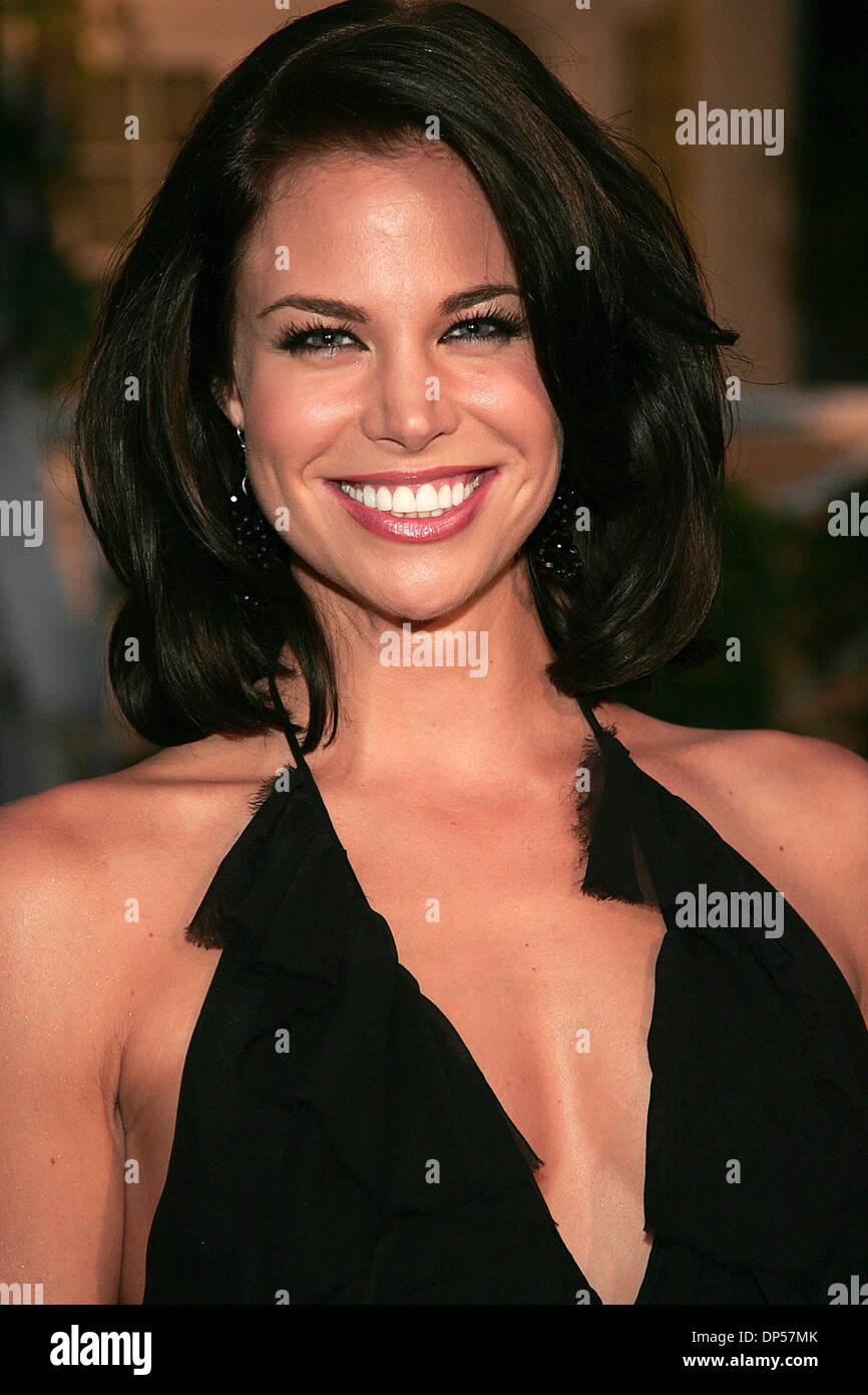 Lisa rinna padre s gala hosted by eva longoria wisteria lane -  Actress Brooke Burns During Arrivals At The Tampico Beverages El Sueno De Esperanza Gala Held On The Desperate Housewives Wisteria Lane Set Mandatory