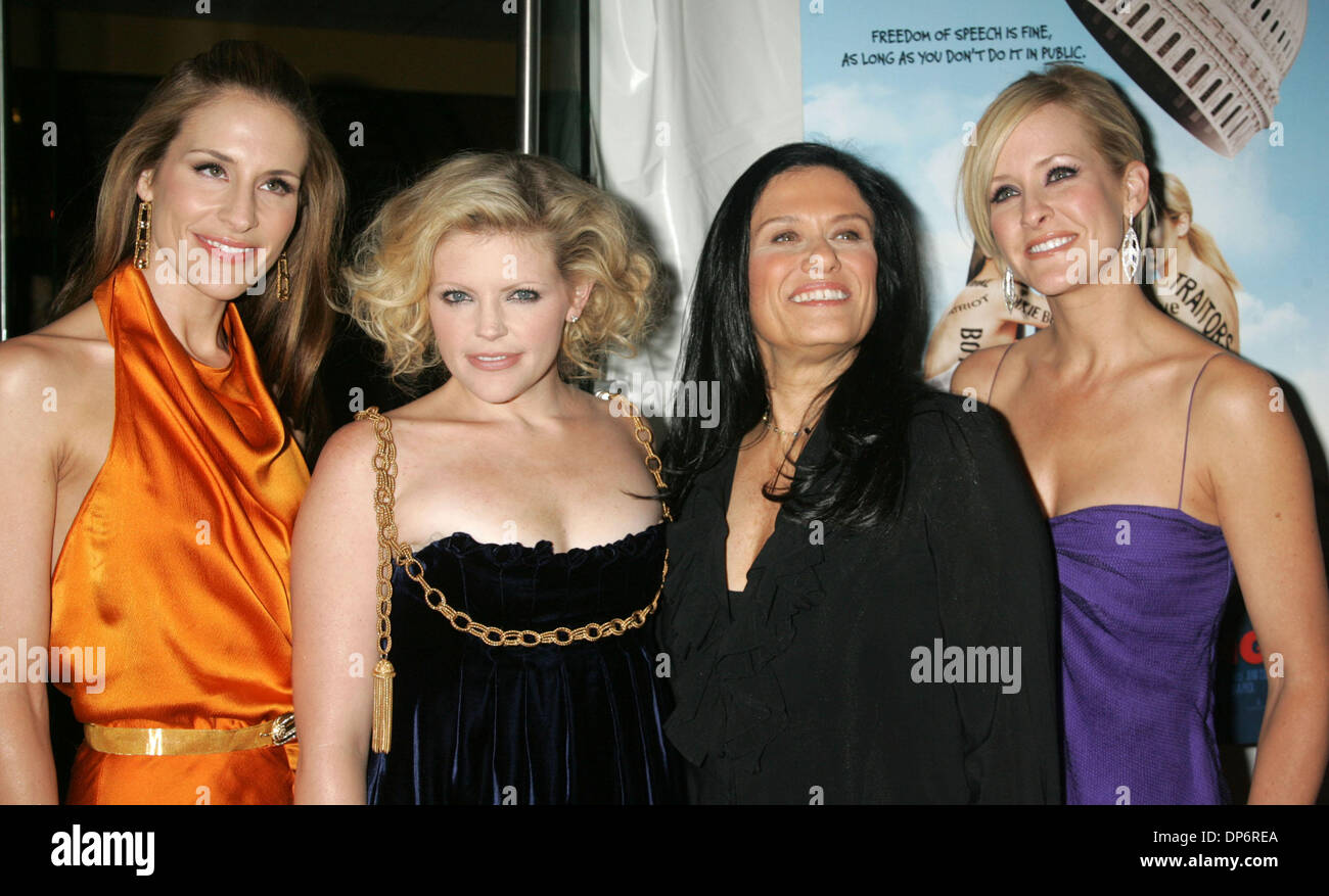 Emily Robison Oct 24 2006 New York Ny Usa Members Of The Dixie Chicks