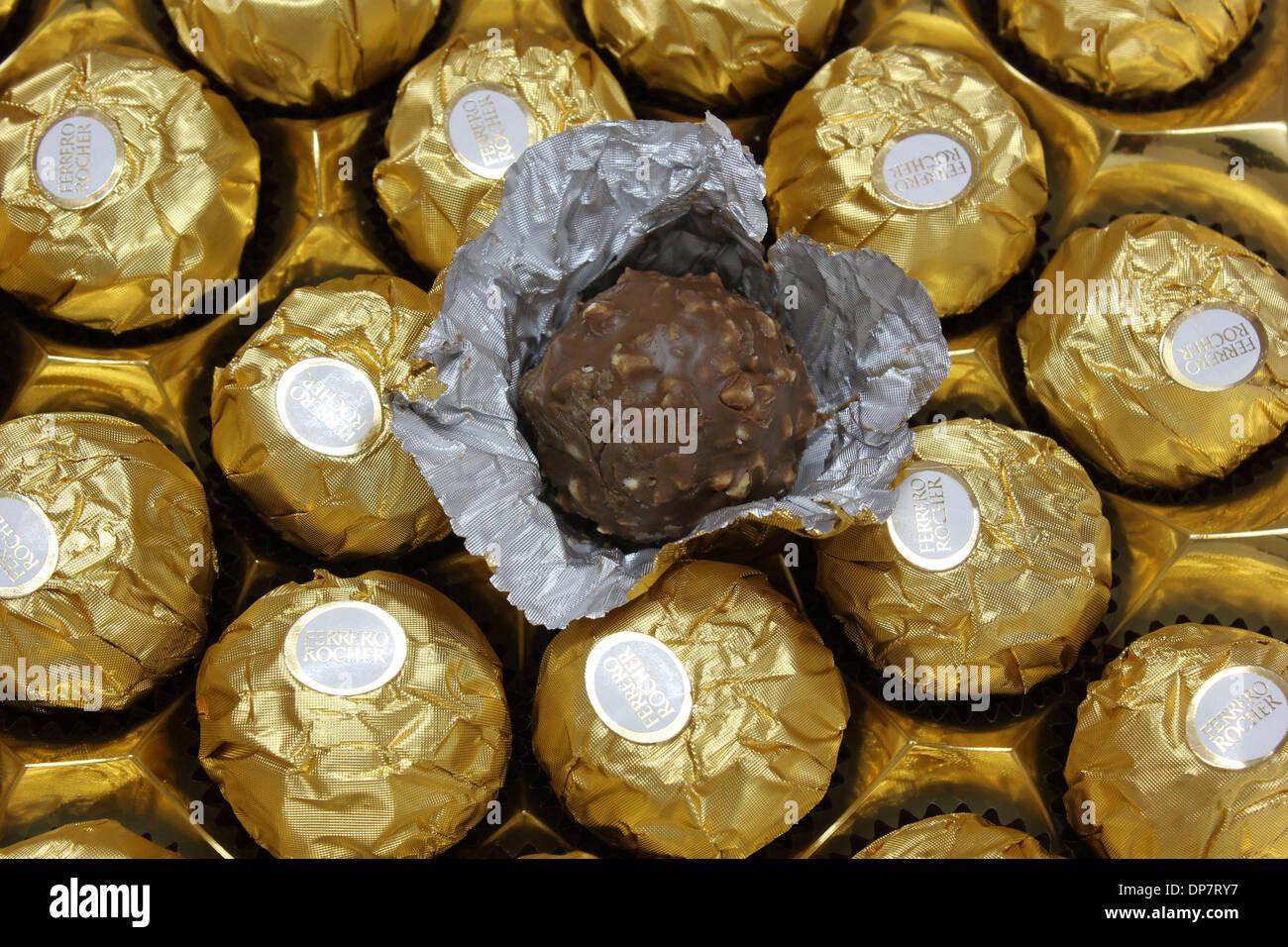 Ferrero Rocher Chocolate Stock Photos & Ferrero Rocher Chocolate ...