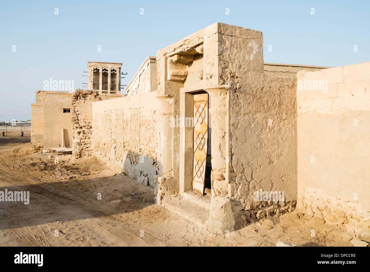 Deserted former fishing village at jazirat al hamra in ras for Home of architecture ras al khaimah