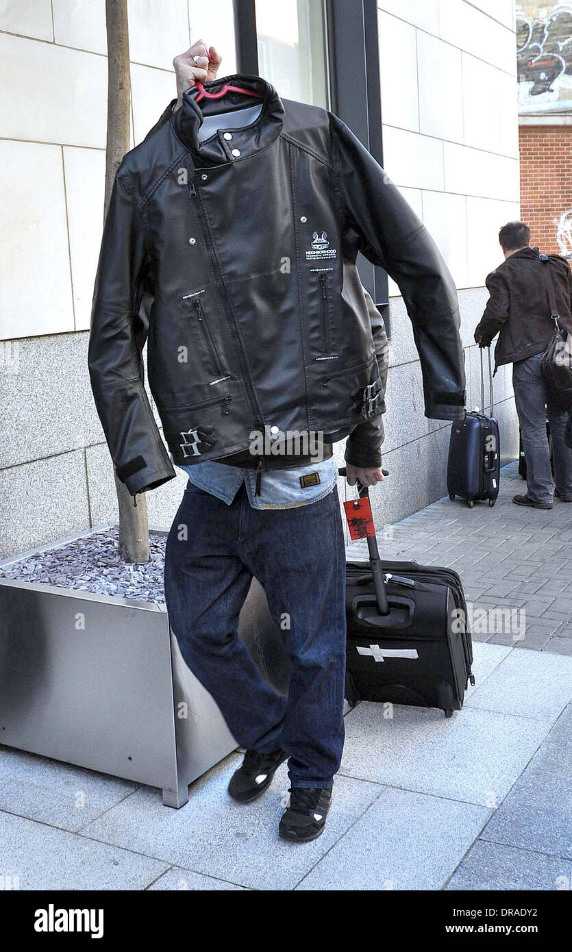 Leather jacket with roses - Ian Brown Hiding Behind His Leather Jacket Stone Roses Arrive At Their Hotel Ahead Of Performing At Phoenix Park Dublin Ireland 04 07 12