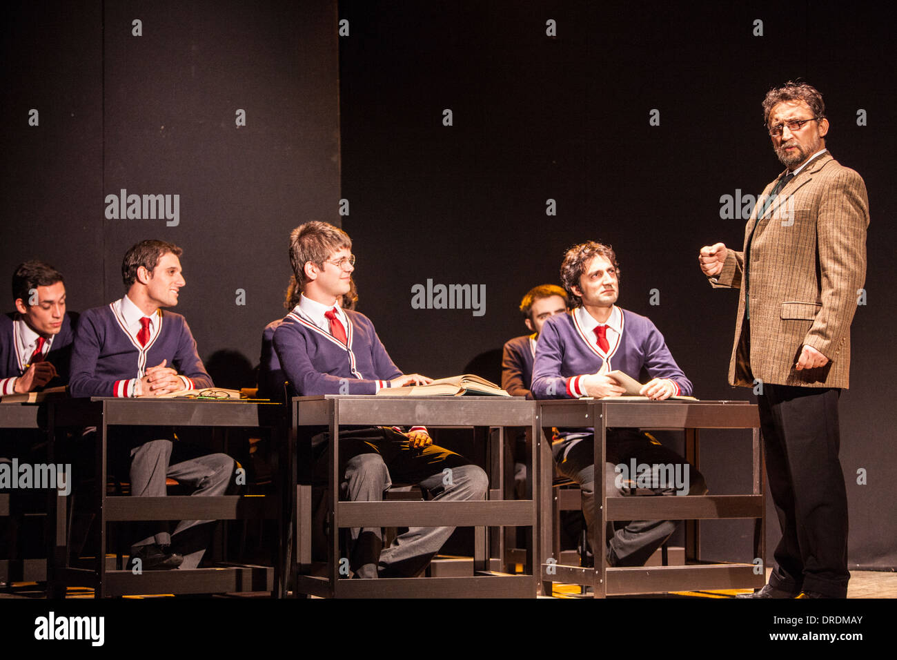 carpe diem in dead poets society The dead poets society the dead poets society is a movie directed by peter weir that explores the question and theme of happiness in life throughout the movie, an observant teacher in love with teaching, played by robin williams, helps a group of young people take a step forward in their lives and not let themselves be another in the masses he encourages them to make their existence something special.