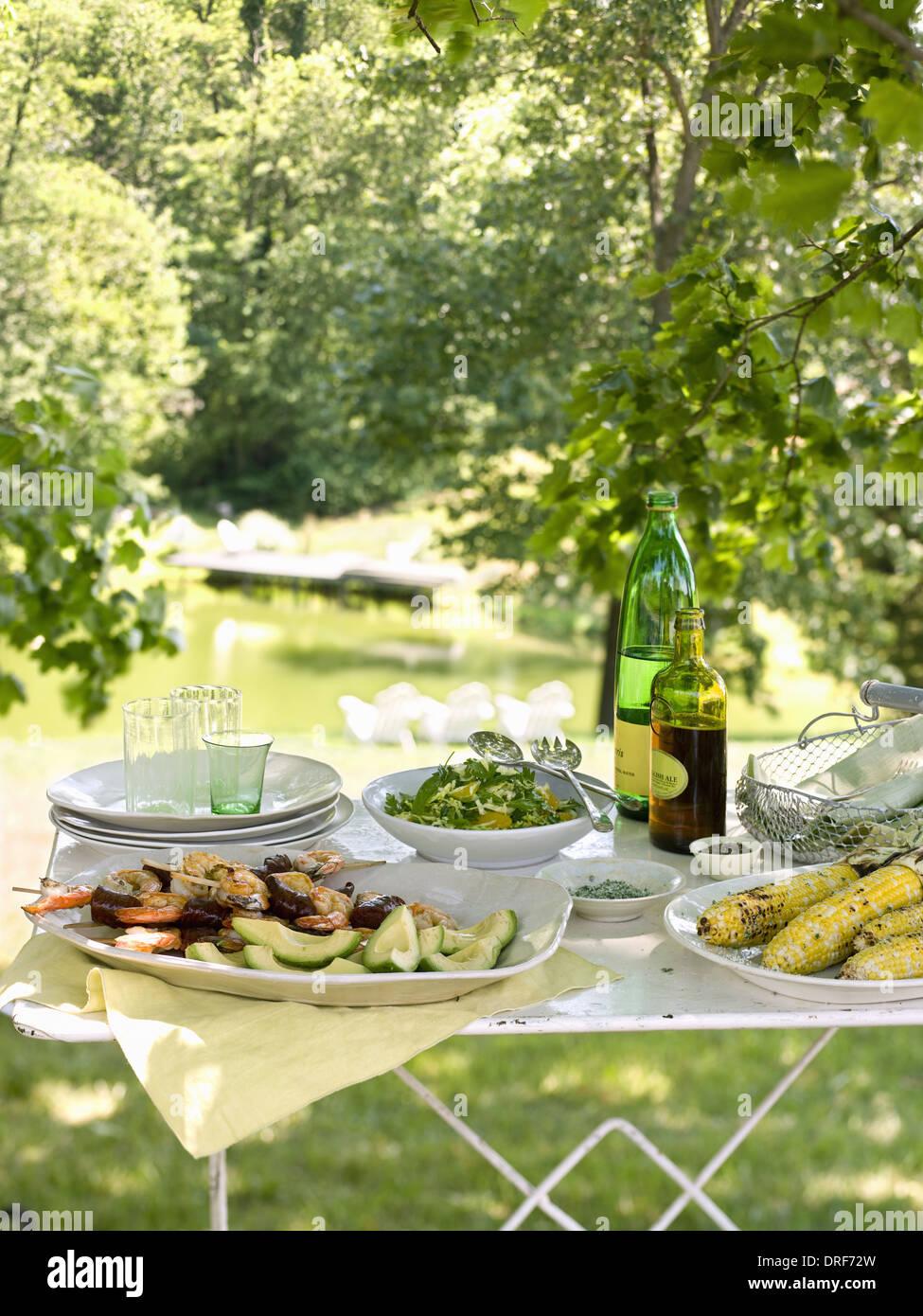 Maryland USA buffet table set up in garden Salads buffet & Maryland USA buffet table set up in garden Salads buffet Stock ...