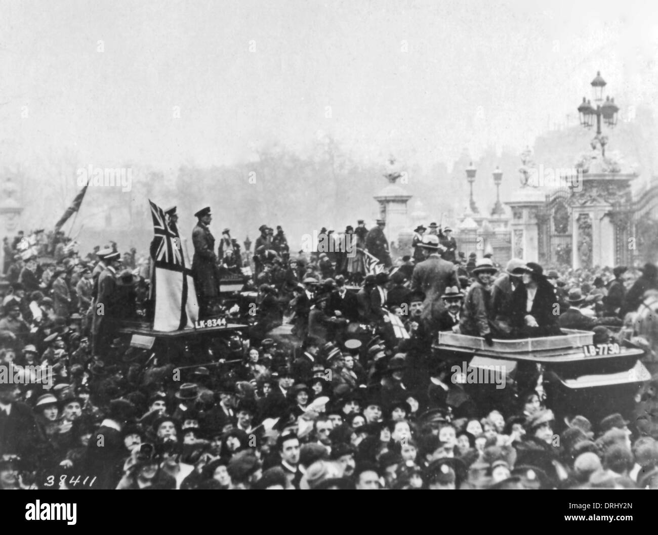 Scene in Paris, France, at end of WW1 Stock Photo, Royalty Free ...