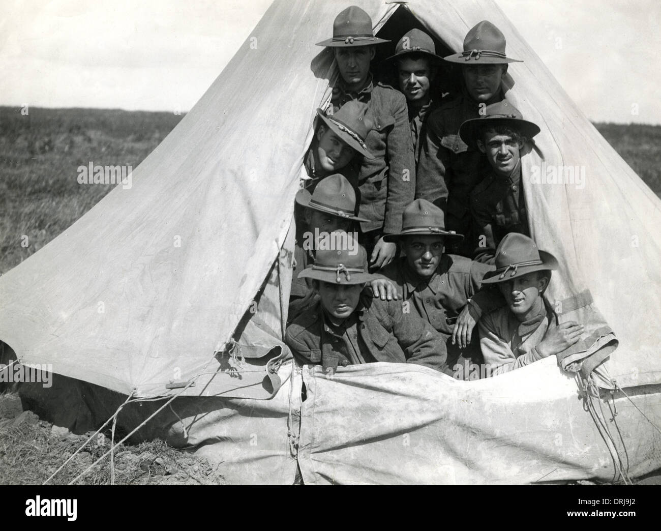 American troops in a tent Boisleux-au-Mont France WW1  sc 1 st  Alamy & American troops in a tent Boisleux-au-Mont France WW1 Stock ...