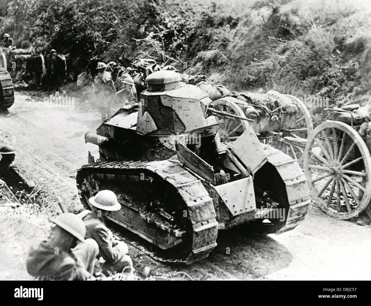 French tanks at Valpries Farm near Juvigny, France, WW1 ...