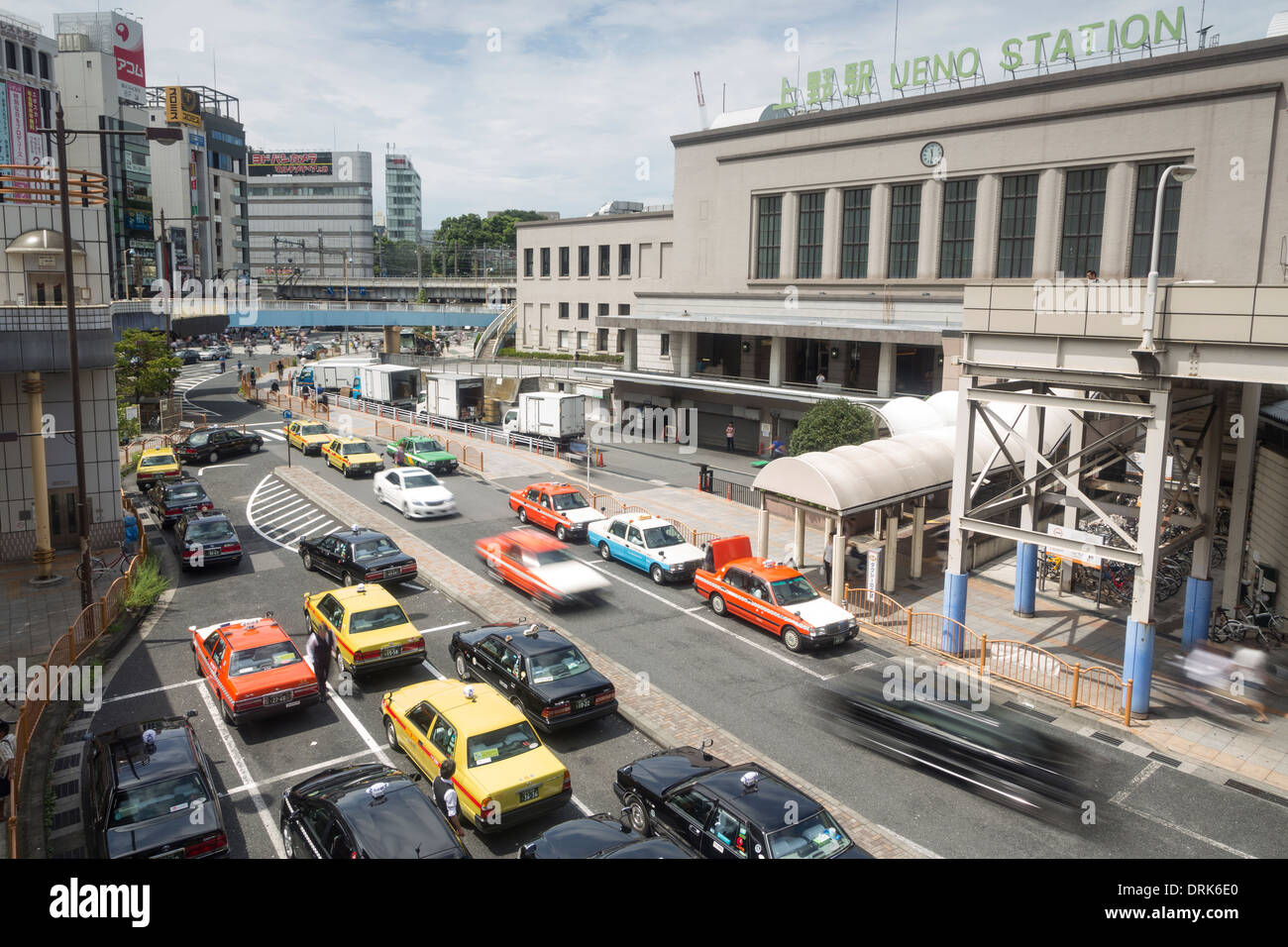 taxi-waiting-in-front-of-ueno-jr-train-s