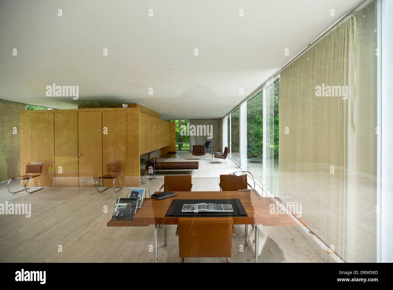 Ludwig mies van der rohe interior - Farnsworth House Plano United States Architect Ludwig Mies Van Der Rohe 1951 Interior View Of Farnsworth House