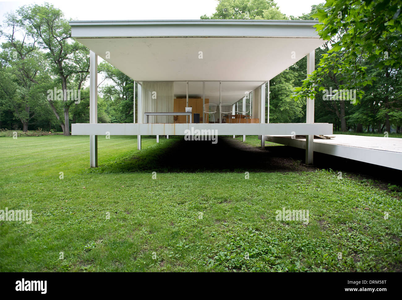 farnsworth house plano united states architect ludwig mies van stock photo 66211400 alamy. Black Bedroom Furniture Sets. Home Design Ideas