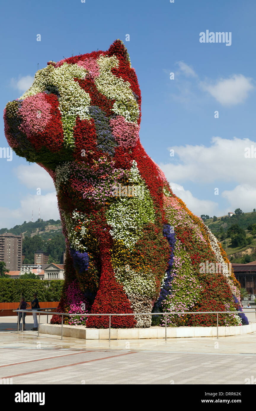 Coloring book by jeff koons - The Puppy Topiary Art Sculpture By Jeff Koons In Front Of The Guggenheim Museum In The