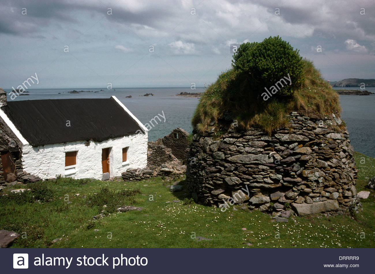 county kerry ireland cottage beehive hut on gt