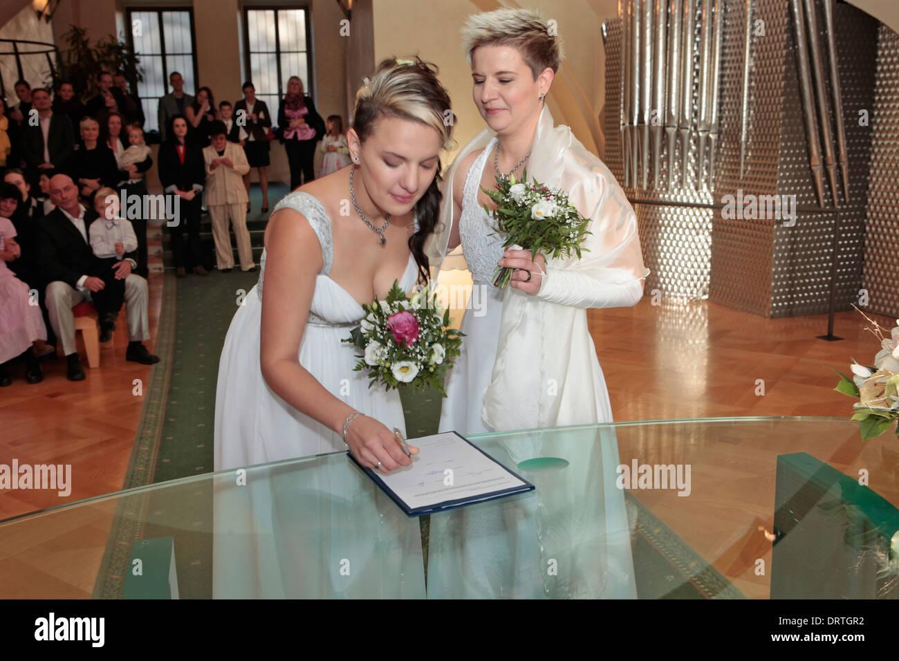 Lesbian Getting Married 43