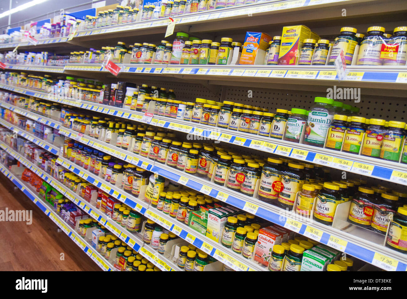 Naples florida walmart wal mart discount shopping retail for Does walmart sell fish