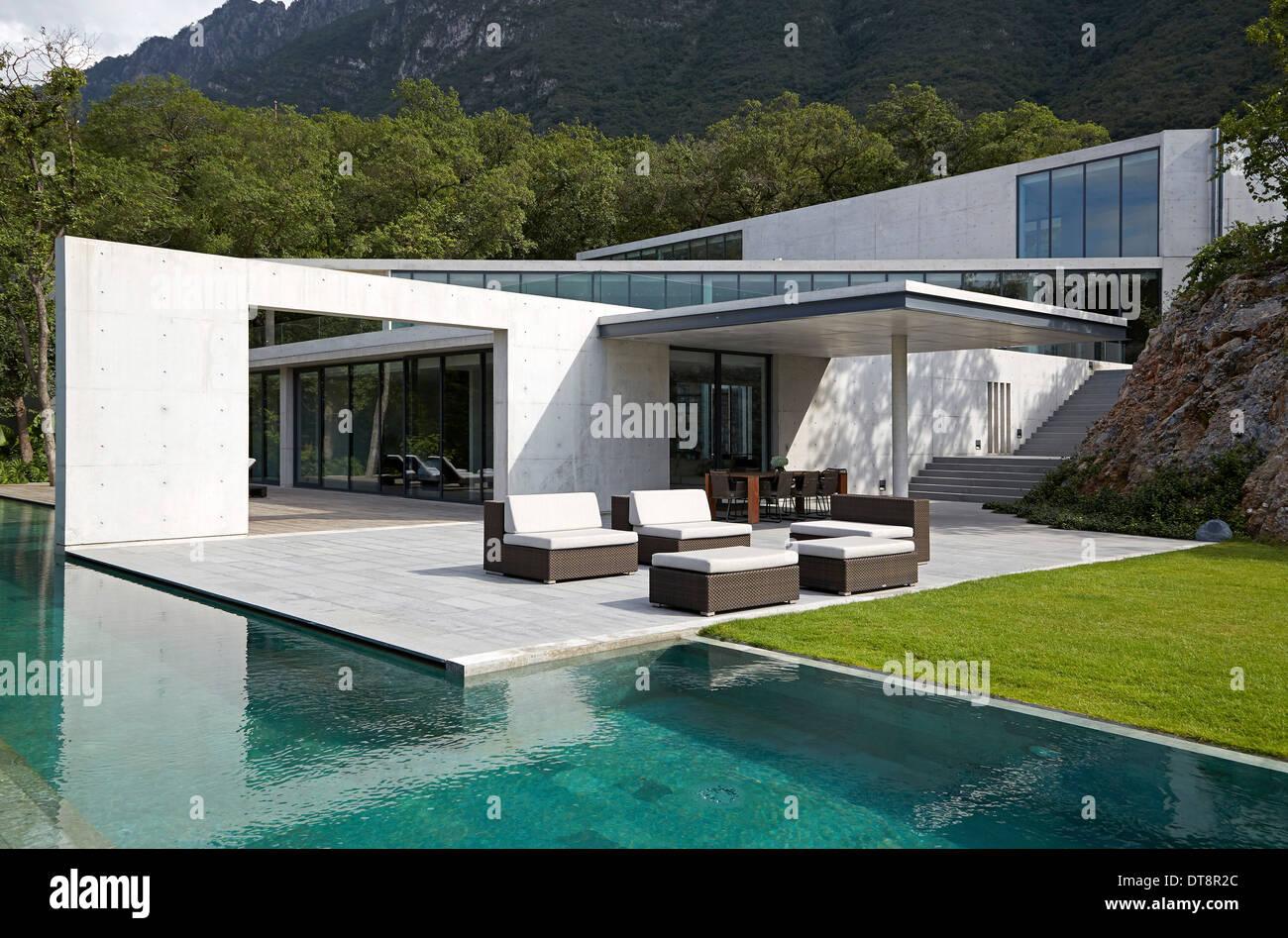 Casa monterrey monterrey mexico architect tadao ando for Casas en monterrey