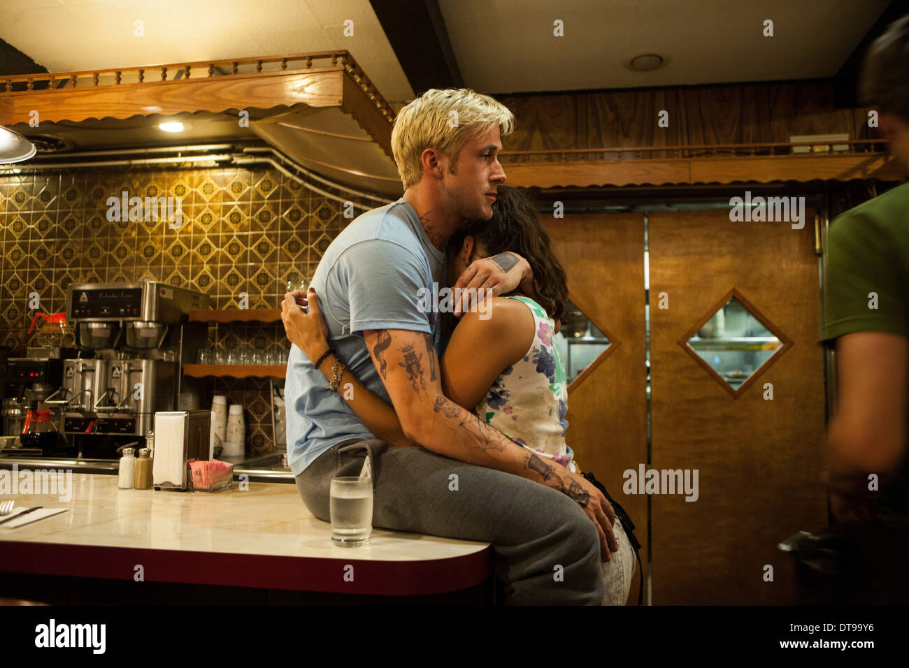 Download Film The Place Beyond The Pines 2012