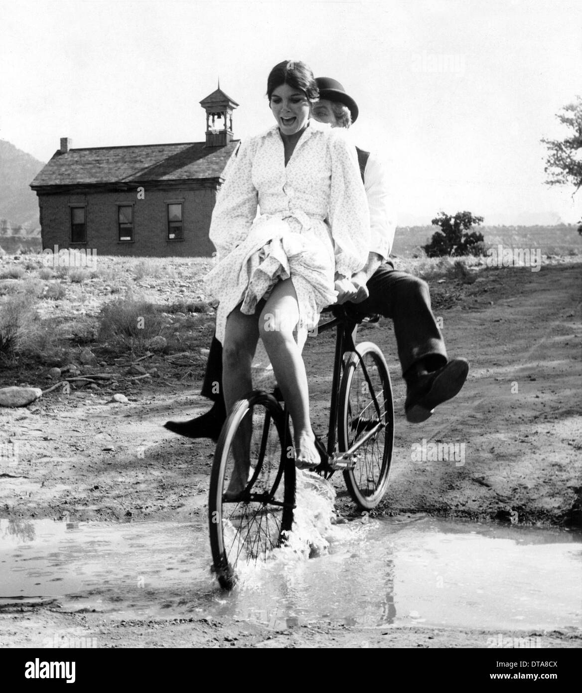 Resultado de imagen de paul newman and katherine ross cycling