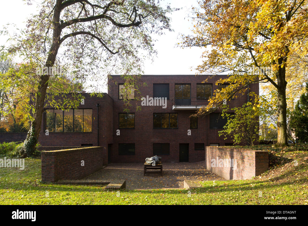 krefeld museen haus lange und haus esters stock photo royalty free image 66615524 alamy. Black Bedroom Furniture Sets. Home Design Ideas