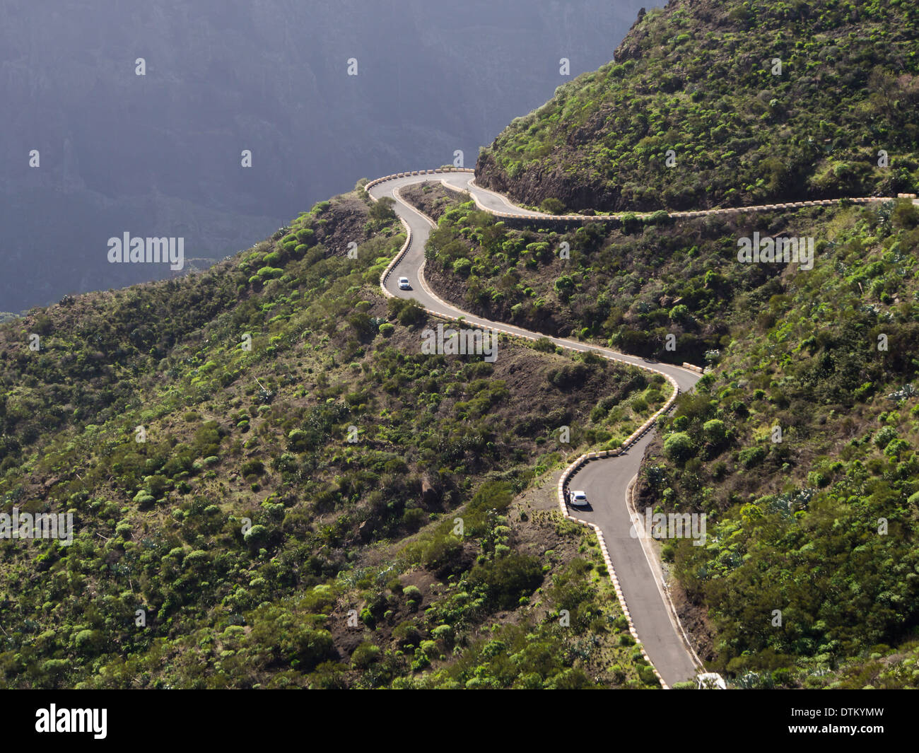 Section of the narrow road in the remote Masca valley, Tenerife Stock Photo, ...