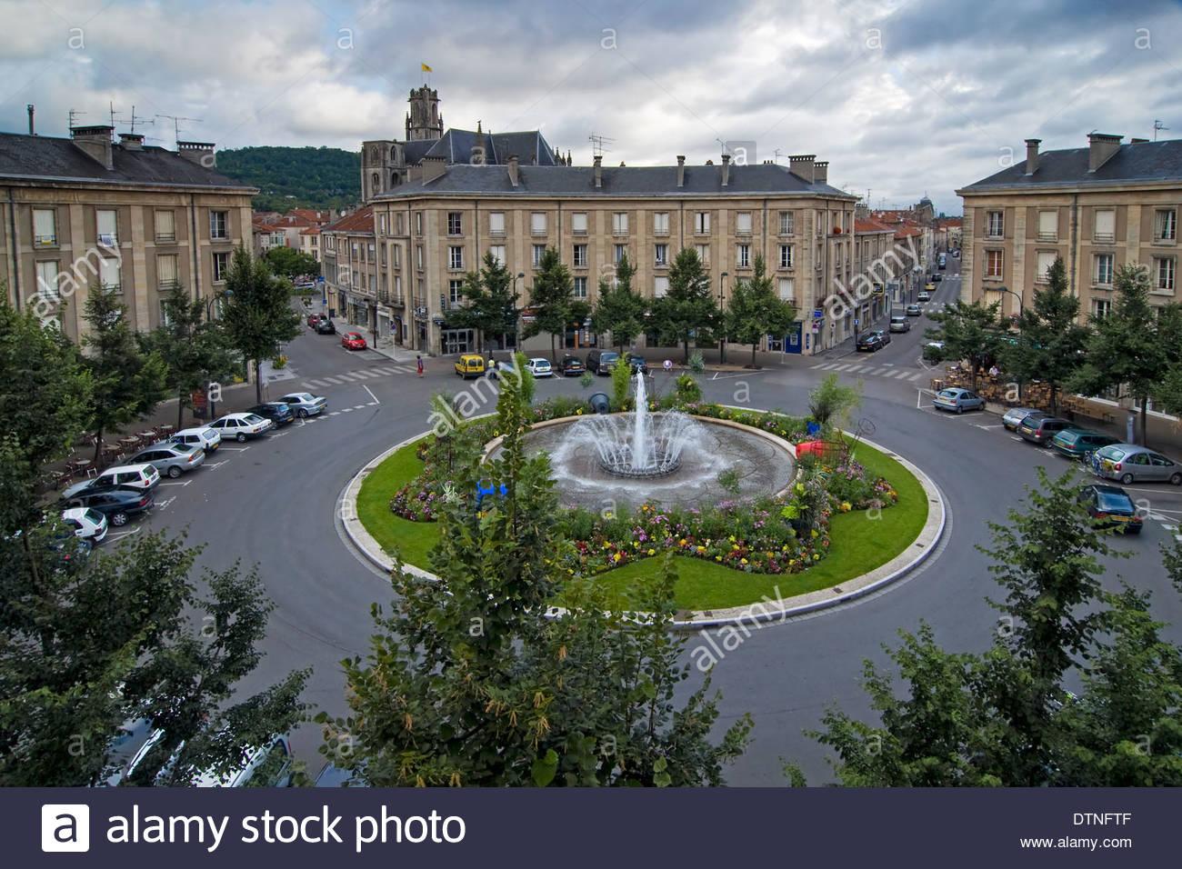the roundabout place des 3 v ch s at toul meurthe et